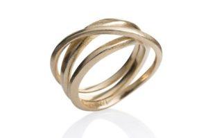 Kaprifol Ring Triple Gold