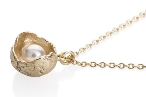 Waterlily Necklace Gold White Pearl Large